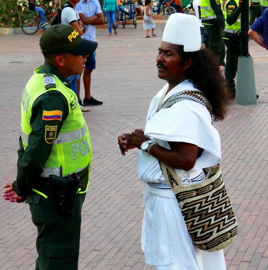 Kogi Indianer und Policia