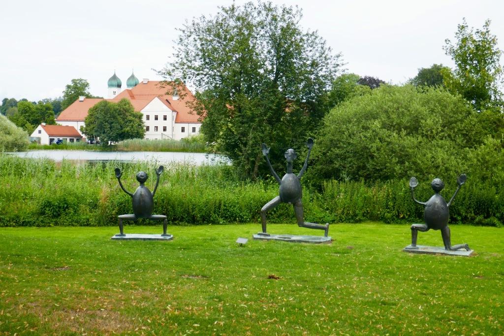 Kloster Seeon/Seebruck Chiemsee Skulpturen von Prof. Heinrich Kirchner